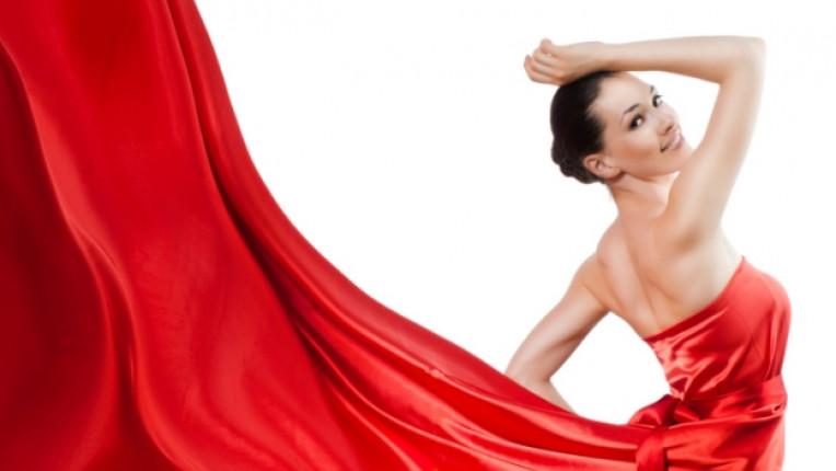 зимни тенденции рокля дълъг ръкав силует дантела
