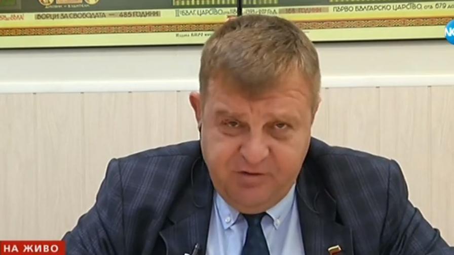 <p>Каракачанов показа среден пръст: Аз имам позиция</p>