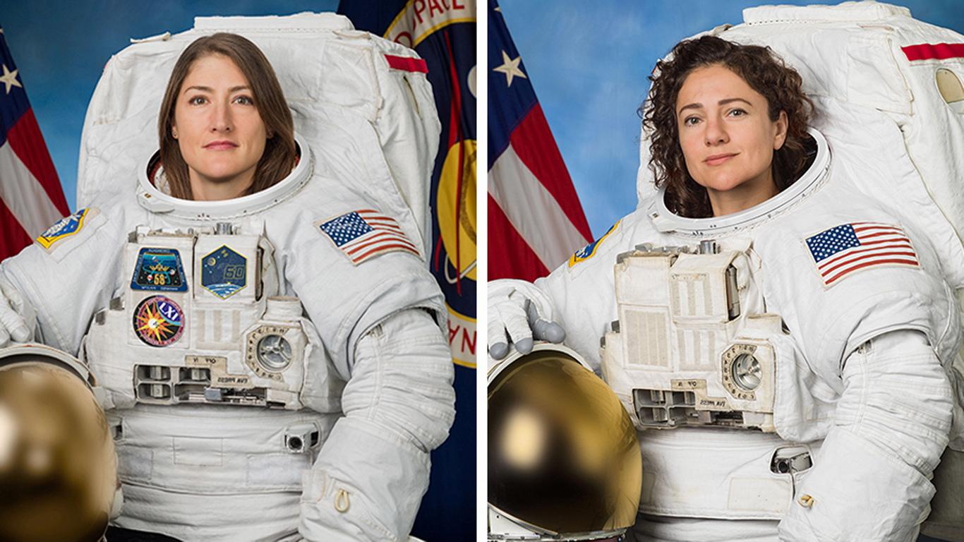 <p>Работа в космоса бе посветена на замяната на повредена батерия с блок за зареждане и разреждане на батерията в системата за захранване на американския сегмент на МКС.</p>