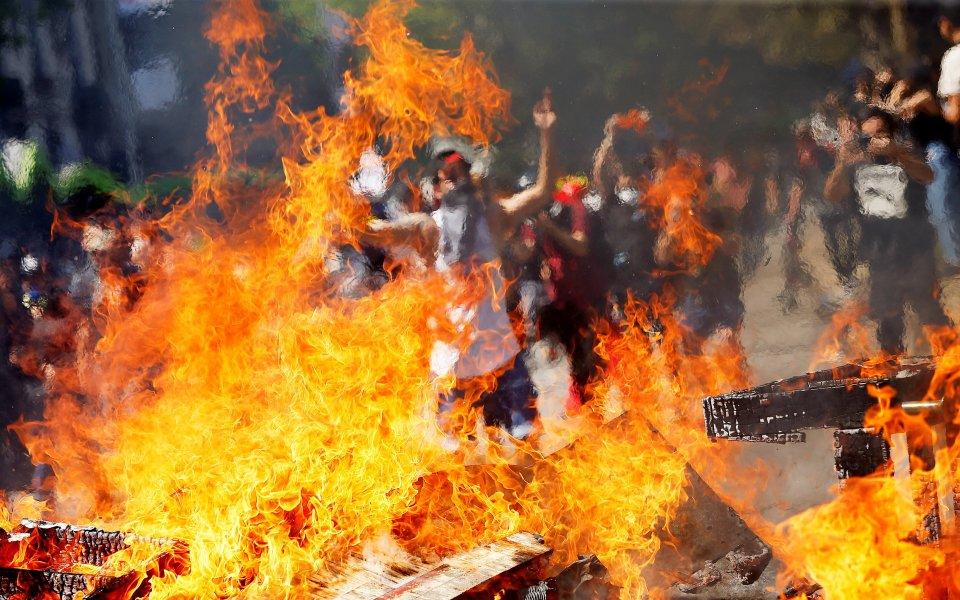 Няма да има футбол в Чили заради размириците