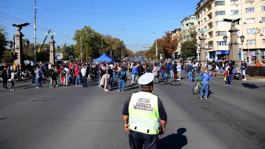 Протест срещу избора на Иван Гешев за главен прокурор блокира кръстовището на Орлов мост