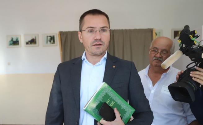 ЕП разследва Ангел Джамбазки