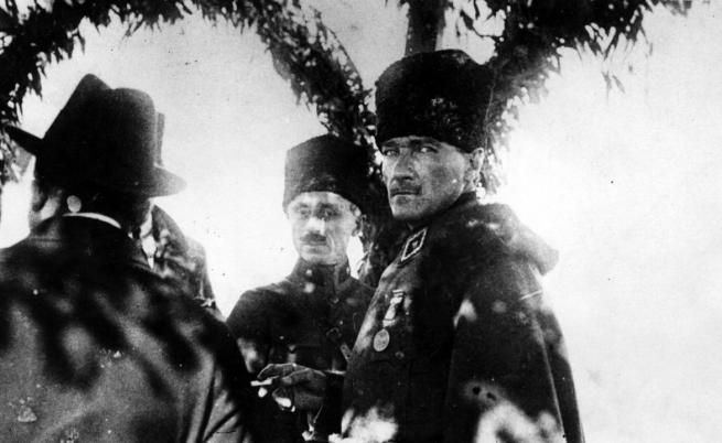 Мустафа Кемал - бащата на турската република