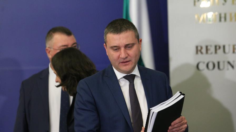 Горанов: Сивите обороти трябва да са фокус, 25 млрд. лв. се въртят