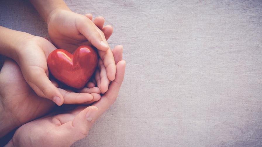 Откриха сметка за подпомагане на семействата на починали от COVID-19 медици