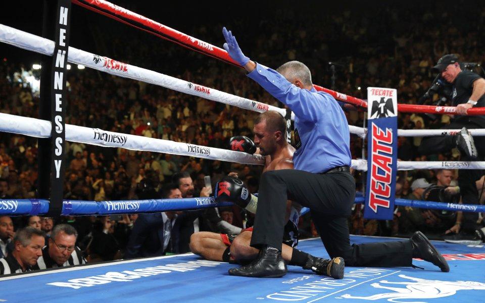 Зрителите на Канело - Алварес гледаха UFC 244 в залата