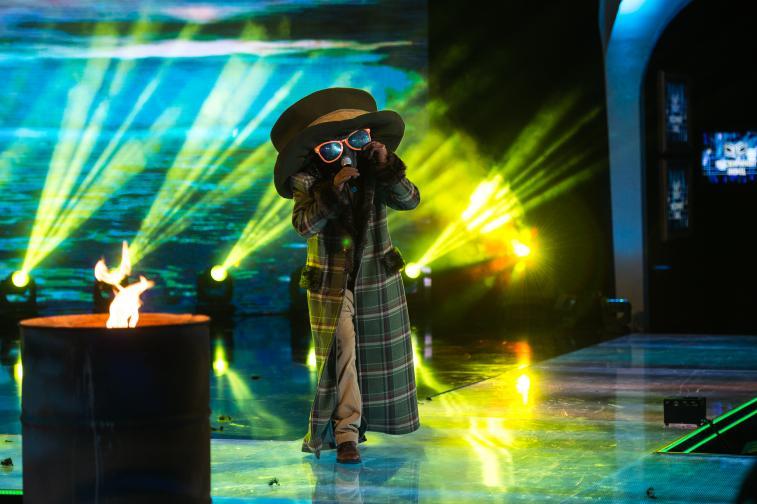 маскираният певец