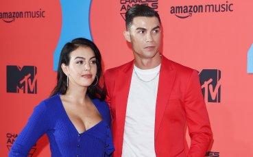 Дали половинките на Меси и Роналдо враждуват? Отговорът в една снимка