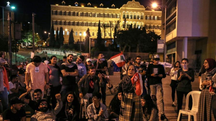 Защо Иран се притеснява от протестите в Ливан и Ирак
