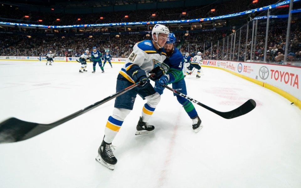 Спряха сезона и в НХЛ