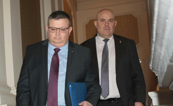 Спор за главния прокурор, Нинова, Радев и самият Гешев
