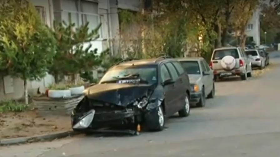 Пияна удари магазин в Пловдив с автомобила си