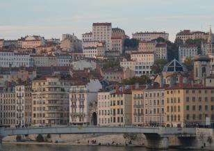 Силно земетресение във Франция
