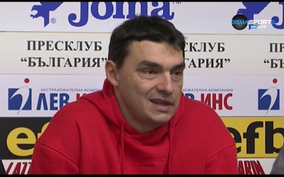 Президентът на волейболния клуб Левски Владимир Николов и старши треньорът