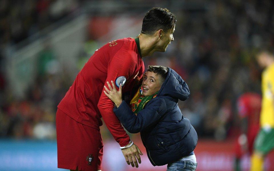Снимка: Няма спирка: Роналдо гони световен рекорд