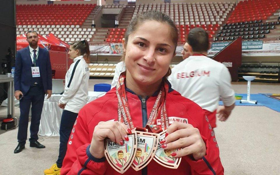 Три медала за родните щанги в първия ден от турнира в памет на Наим