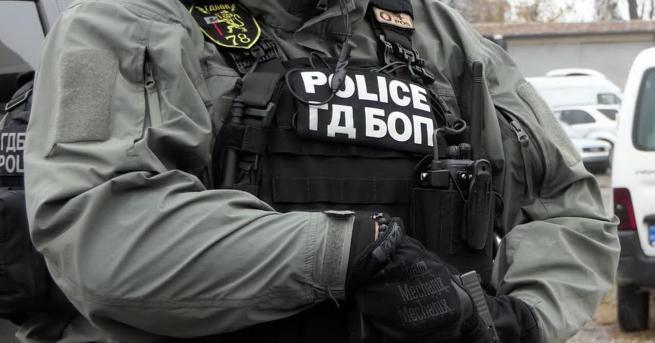 България Разбиха група, печатала фалшиви документи и пари Групата от