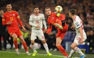 НА ЖИВО: Важните за България двубои, Уелс - Унгария 1:0 и Словакия - Азербайджан 1:0