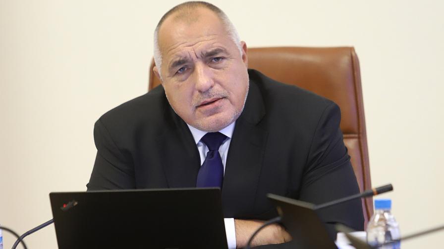 """Борисов: Щяхме да се пребием с """"Фалкон""""-а, за Нинова: Дребнава сте"""