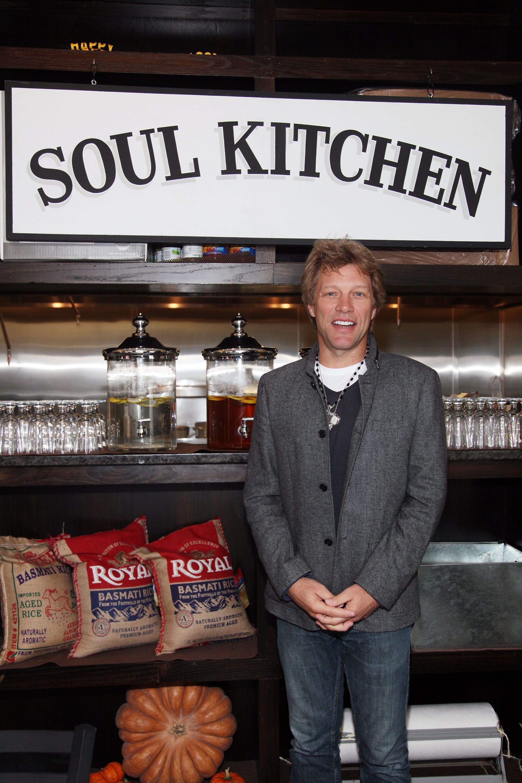 <p>Джон Бон Джоуви в ресторанта</p>