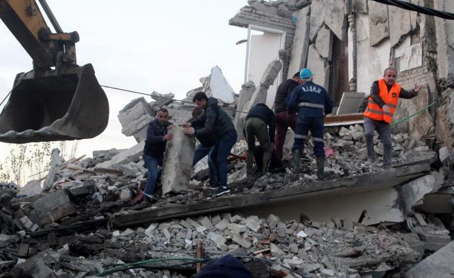 България помага на Албания след опустошителното земетресение
