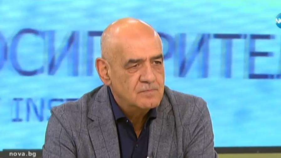 Директорът на Националната здравноосигурителна каса д-р Дечо Дечев