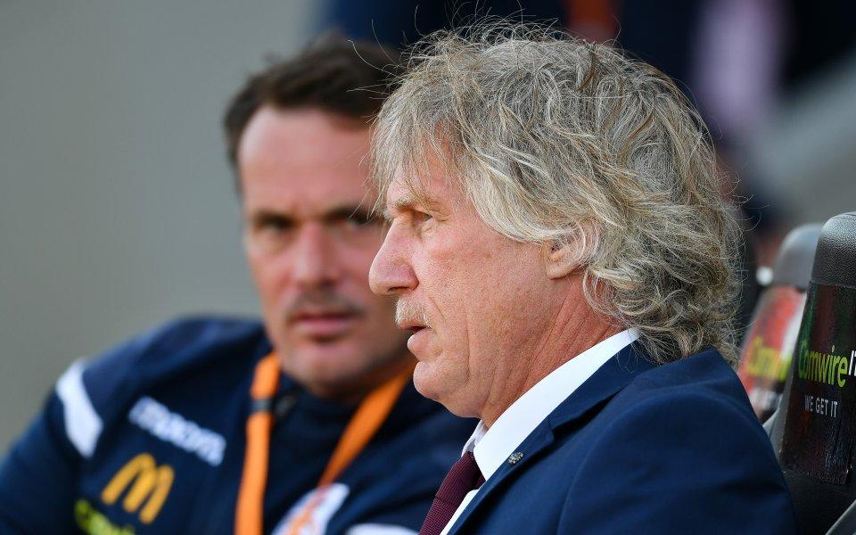 Почина легендарен холандски треньор