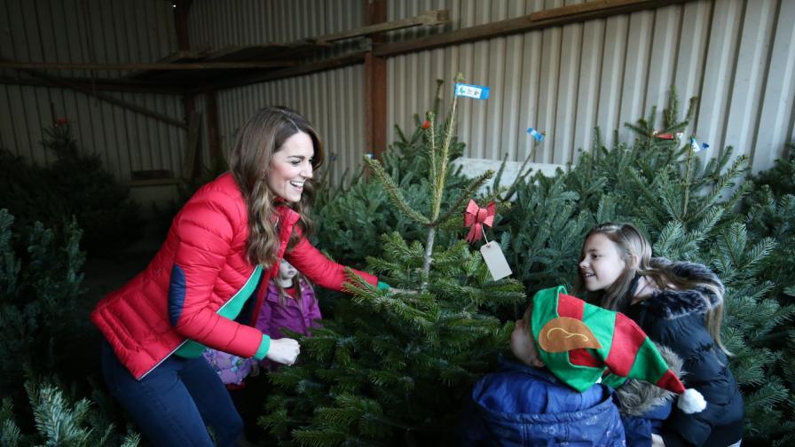 Кейт Мидълтън помогна на деца при избора на...