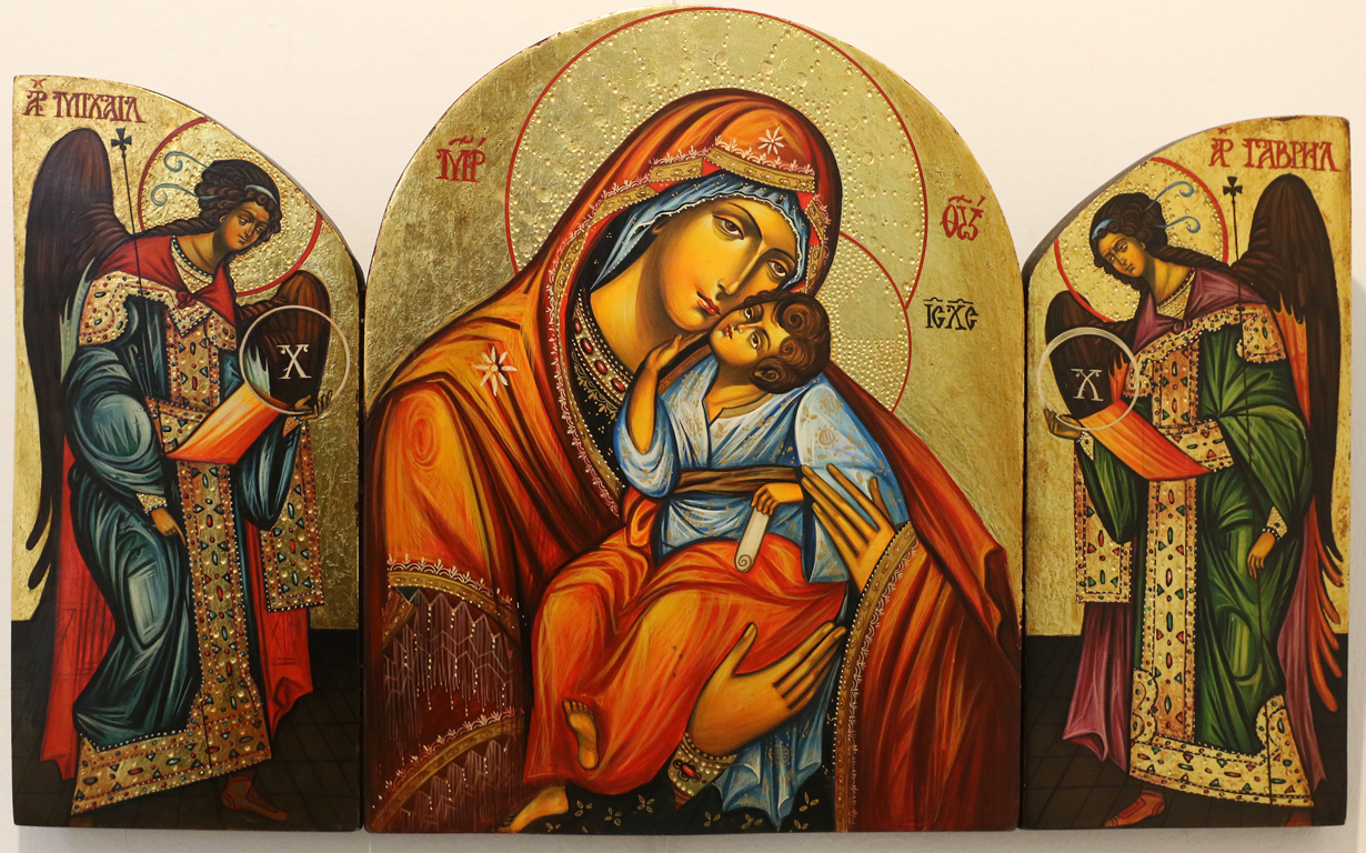 <p>Ралица Бурова &ndash; Триптих: &bdquo;Богородица с архангели&ldquo;</p>