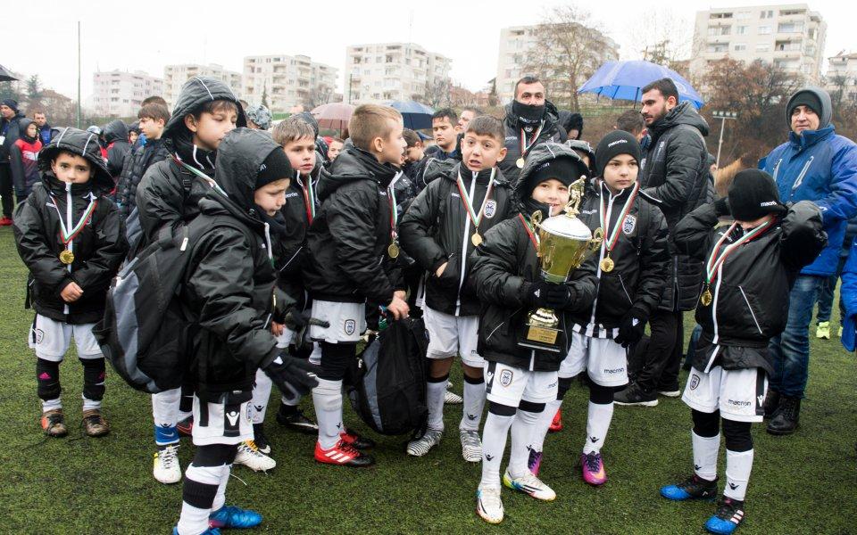 Куп гръцки отбори включително и децата на солунските грандове ПАОК