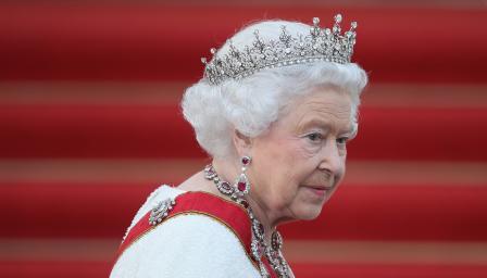 Защо Елизабет Втора не може да се пенсионира?
