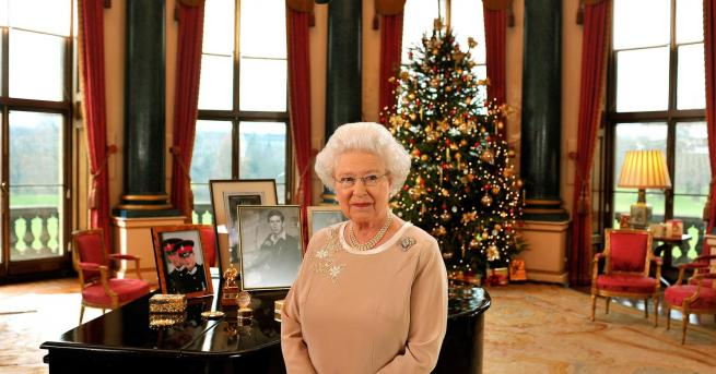 Коледа Вижте първото телевизионно обръщение на младата Елизабет II От