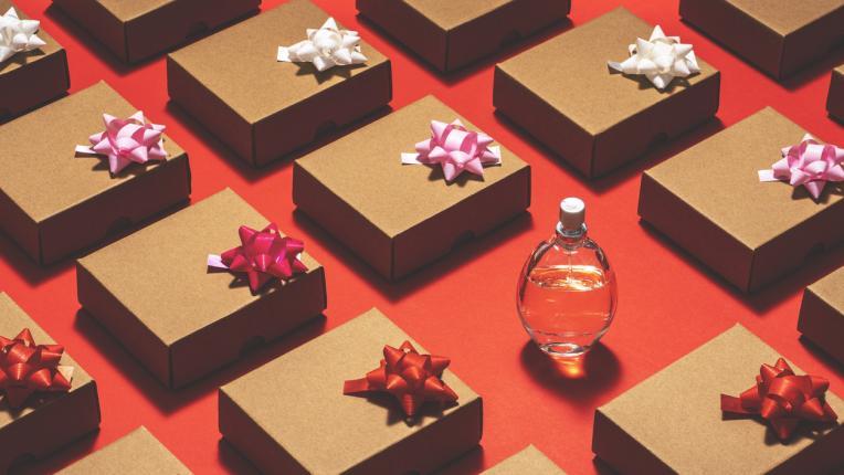 Парфюмът: защо е най-желаният подарък и как да го изберем