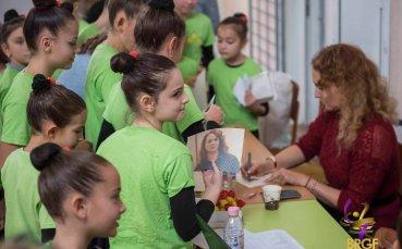 Мария Петрова изпита гимнастичките на Анелия Мездра за състезателно ниво