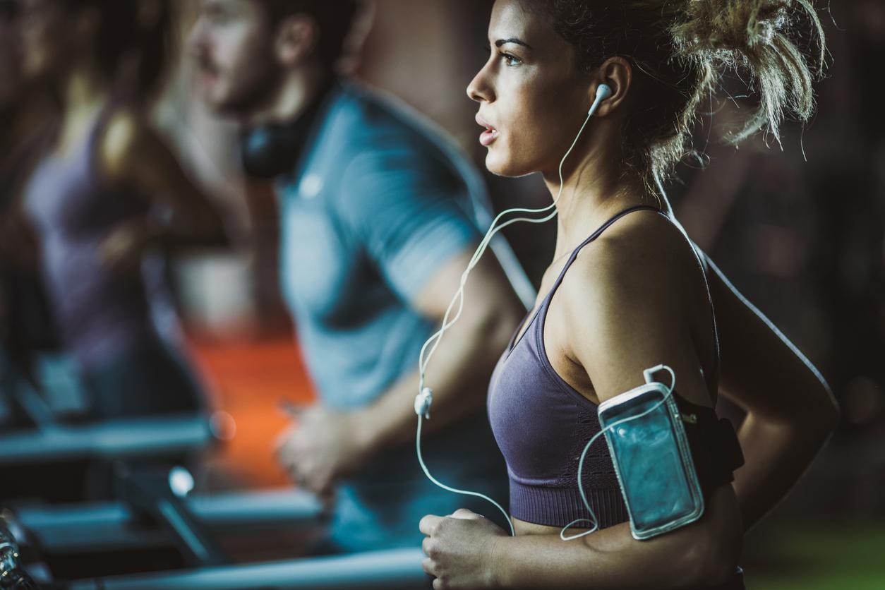 <p><strong>1. Екстремният режим на упражнения е единственият начин да отслабнете</strong></p>  <p>Не е вярно. Успешното сваляне на килограми включва малки промени, към които можете да се придържате за повече време. Това означава да бъдете по-активни в ежедневието си. Възрастните трябва да имат поне 150 минути физическа активност всяка седмица - като бързо ходене или колоездене, а хората с наднормено тегло вероятно ще се нуждаят от повече от това, за да отслабнат.</p>