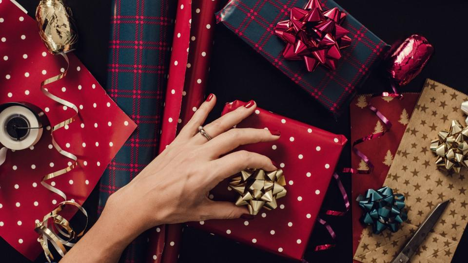 подаръци Коледа