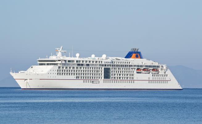 Кораб търси пристан, не го приемат заради коронавируса