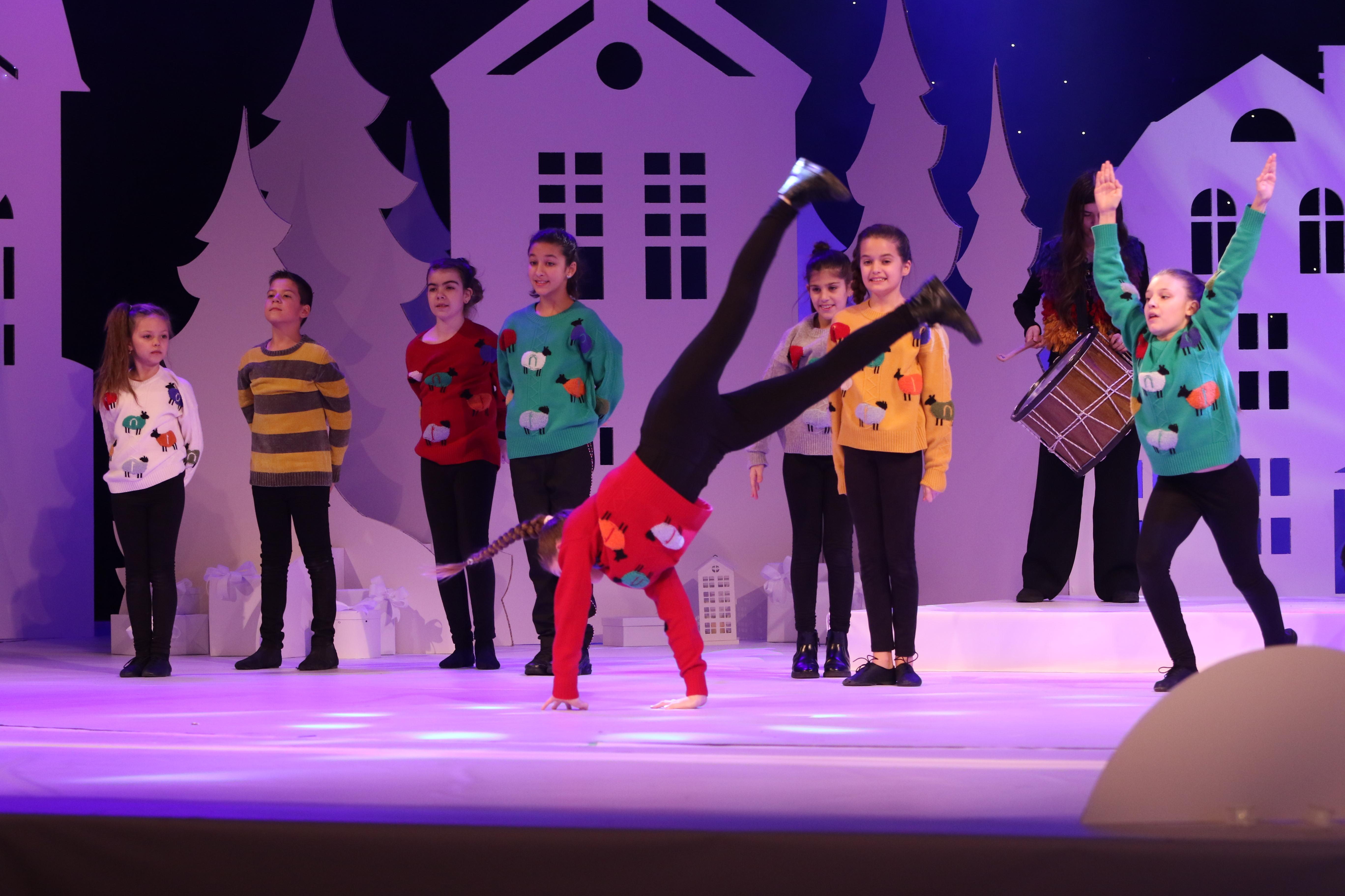 """За 17-та поредна година се провежда благотворителният концерт """"Българската Коледа"""" под патронажа на президента Румен Радев."""