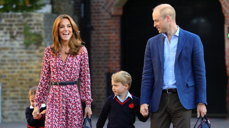 <p>Принц <strong>Уилям и децата трогнаха</strong> света със снимка</p>