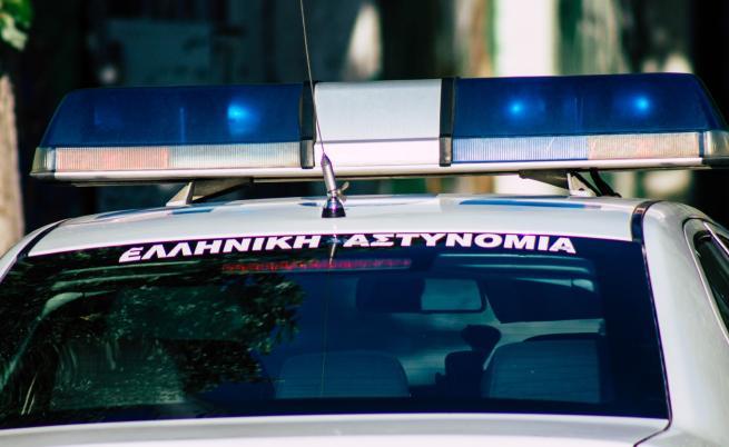 Задържаха българин в Гърция, карал мигранти без да знае
