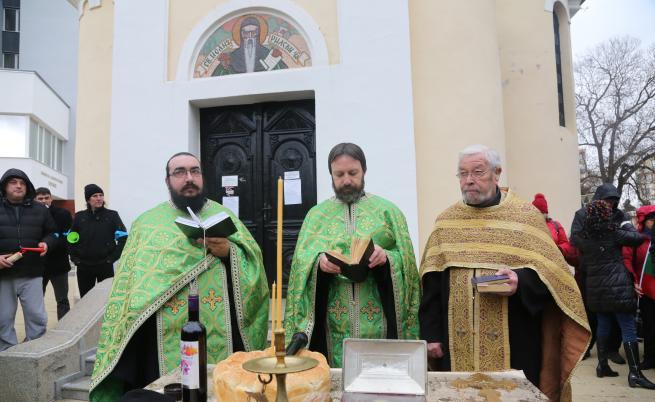 Молебен в Перник
