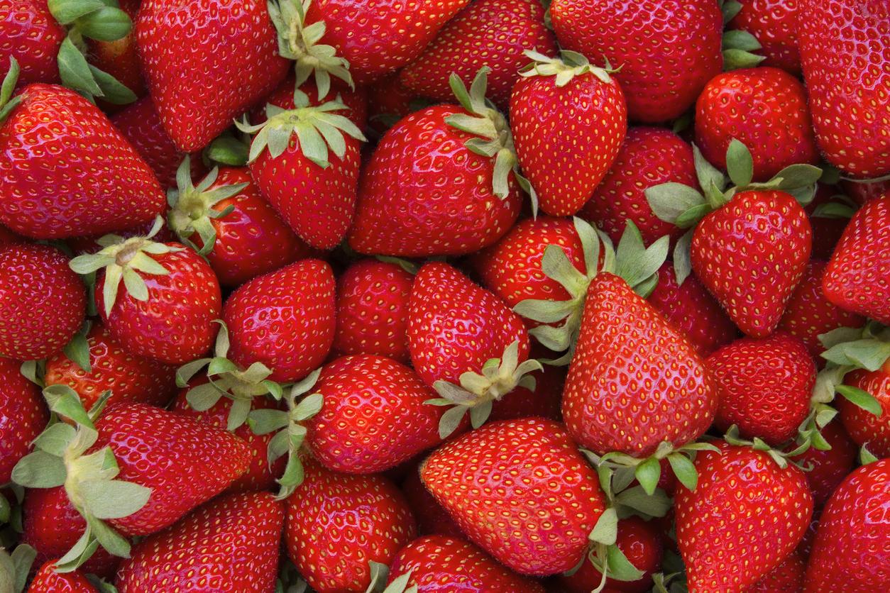 <p><strong>Ягоди, малини, грейпфрут вместо ябълка или грозде</strong></p>  <p>Плодове като ябълката и гроздето стимулират подуването на корема, така че вместо това заменете ги с ягоди, малини или грейпфрут.</p>
