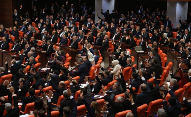 Турция реши да прати войски в Либия, Тръмп предупреди Ердоган