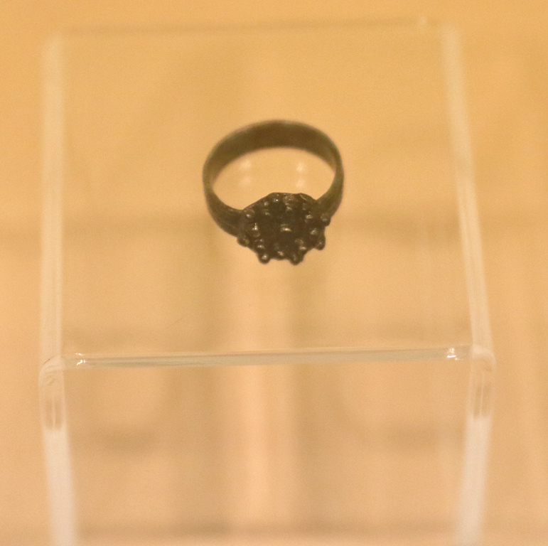 <p>Бронзов пръстен XIX век</p>