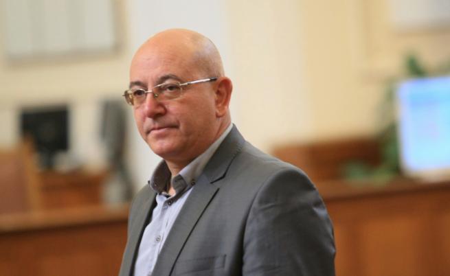 Официално: Емил Димитров-Ревизоро заема поста на Нено Димов