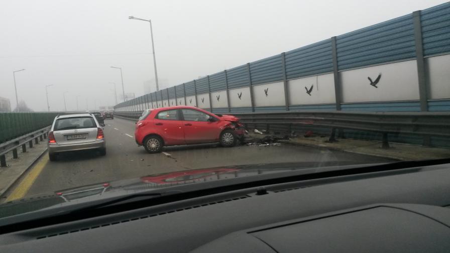 """Катастрофа блокира бул. """"Брюксел"""""""