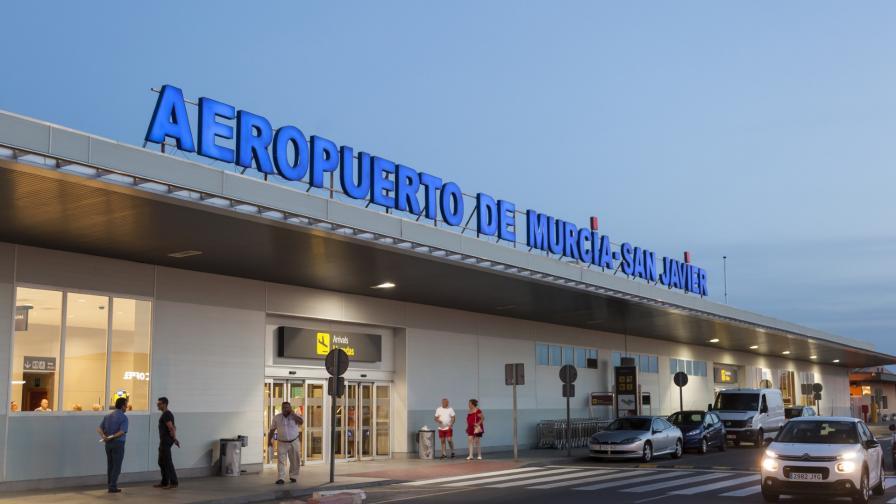 Пожар избухна на голямо летище в Испания