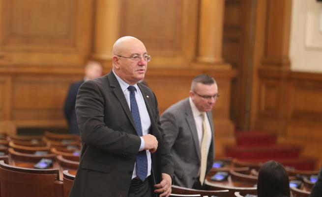 Емил Димитров: Притеснява ме вотът на недоверие