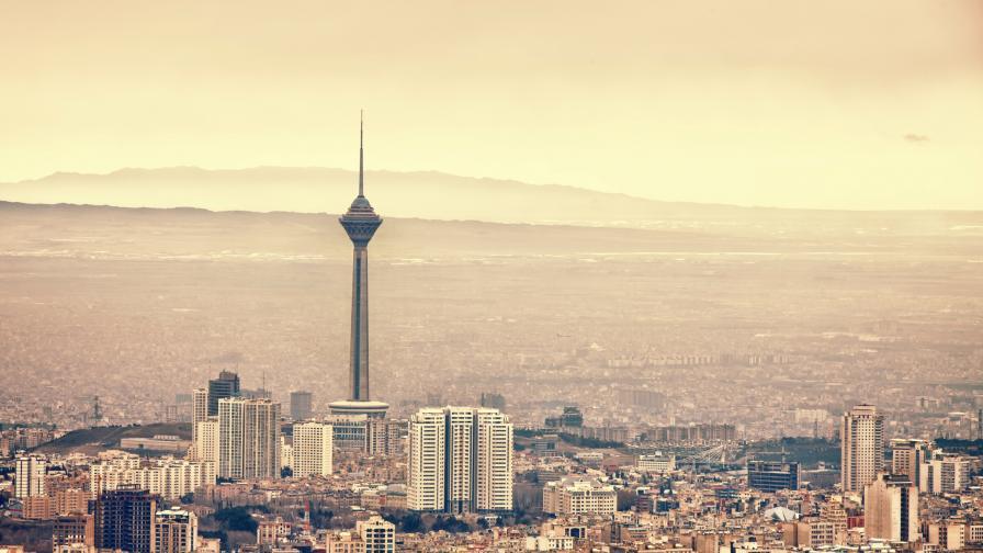 Дипломатка загина в Иран след падане от 18-ия етаж