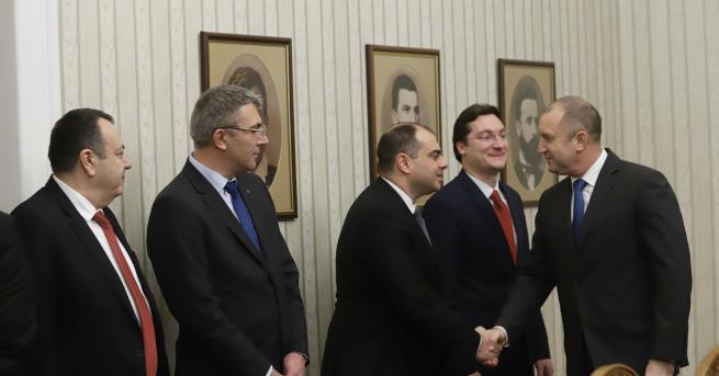 България Скандал на върха, ГЕРБ: Радев не е поканил Борисов